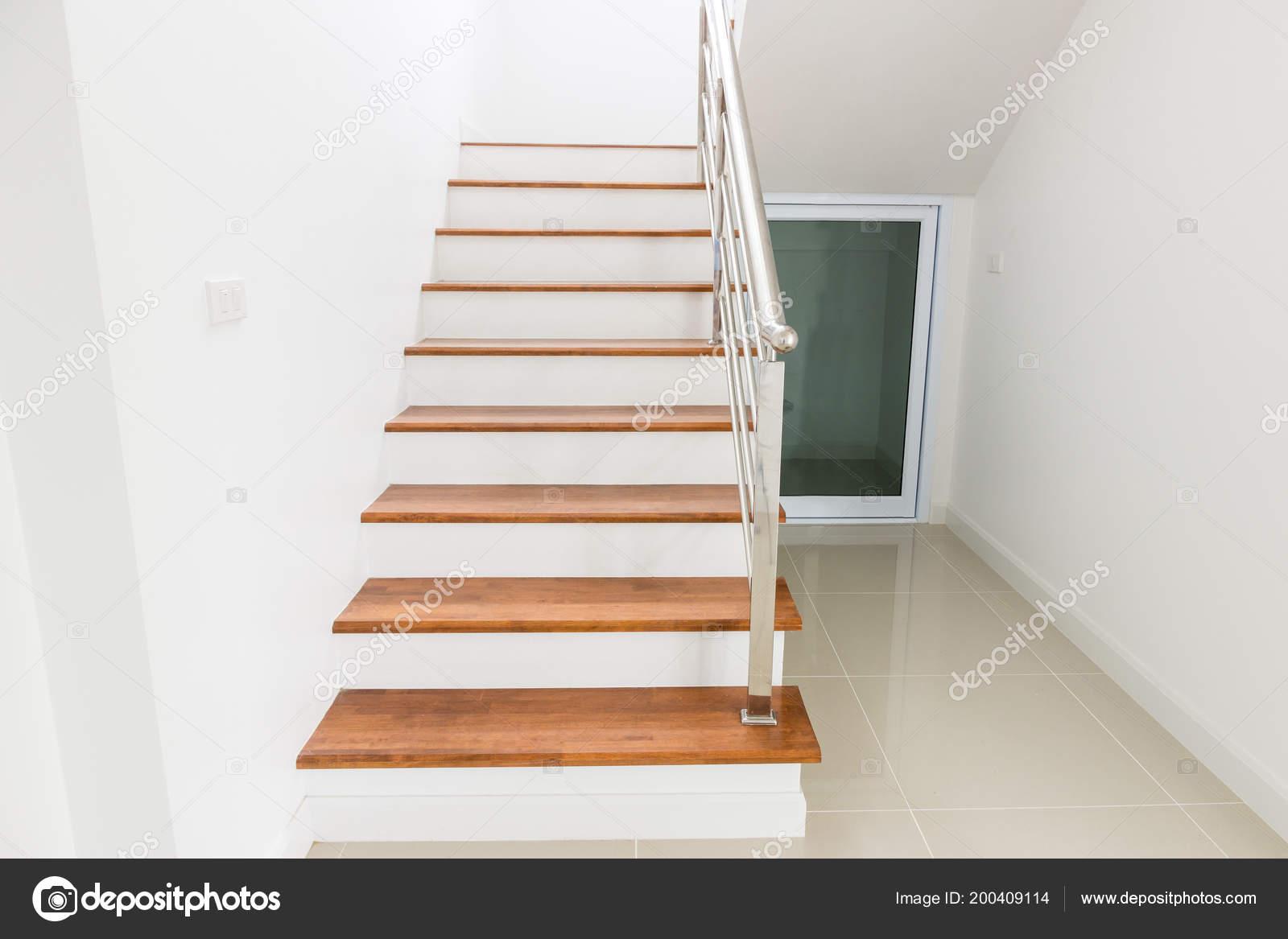 Interior Design Treppe Beton Top Holz Edelstahl Geländer Haus ...