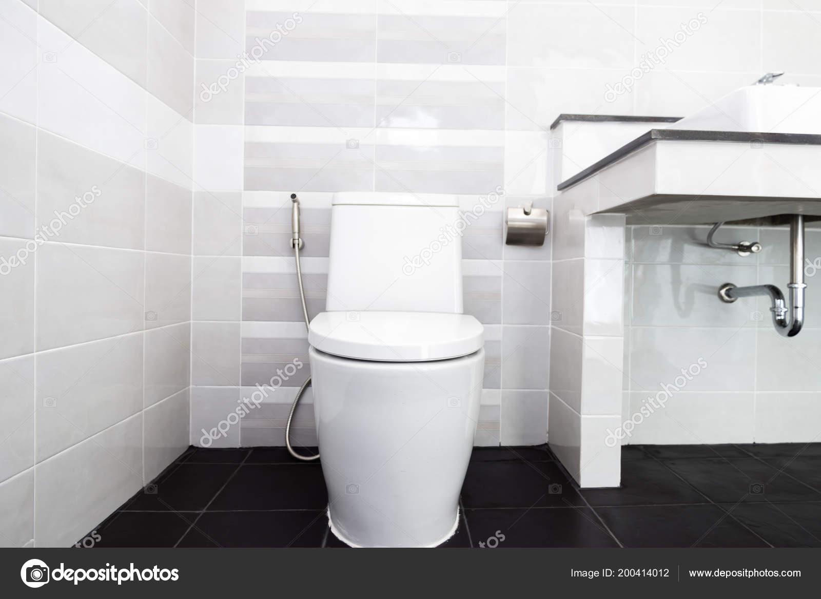 Modernes design haus bad und waschbecken weiß colur sanitärkeramik