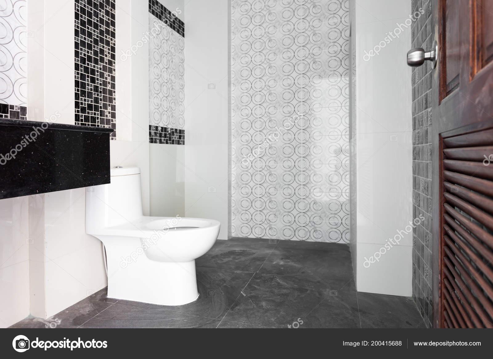 Moderne design huis badkamer witte sanitair badkamer aanbouw