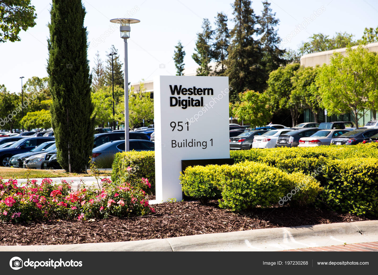 Milpitas, CA, USA   May 21, 2018: Building Of A Western Digital Corporation  Office. WDC, An American Computer Data Storage Company And The Largest  Computer ...