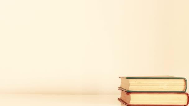 Hromada knih - Zastavit animaci pohybu