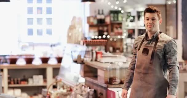 Ať se usmívám mužské majitele Lahůdkářství Shop na sobě zástěru