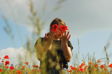 Girl with the flowers.