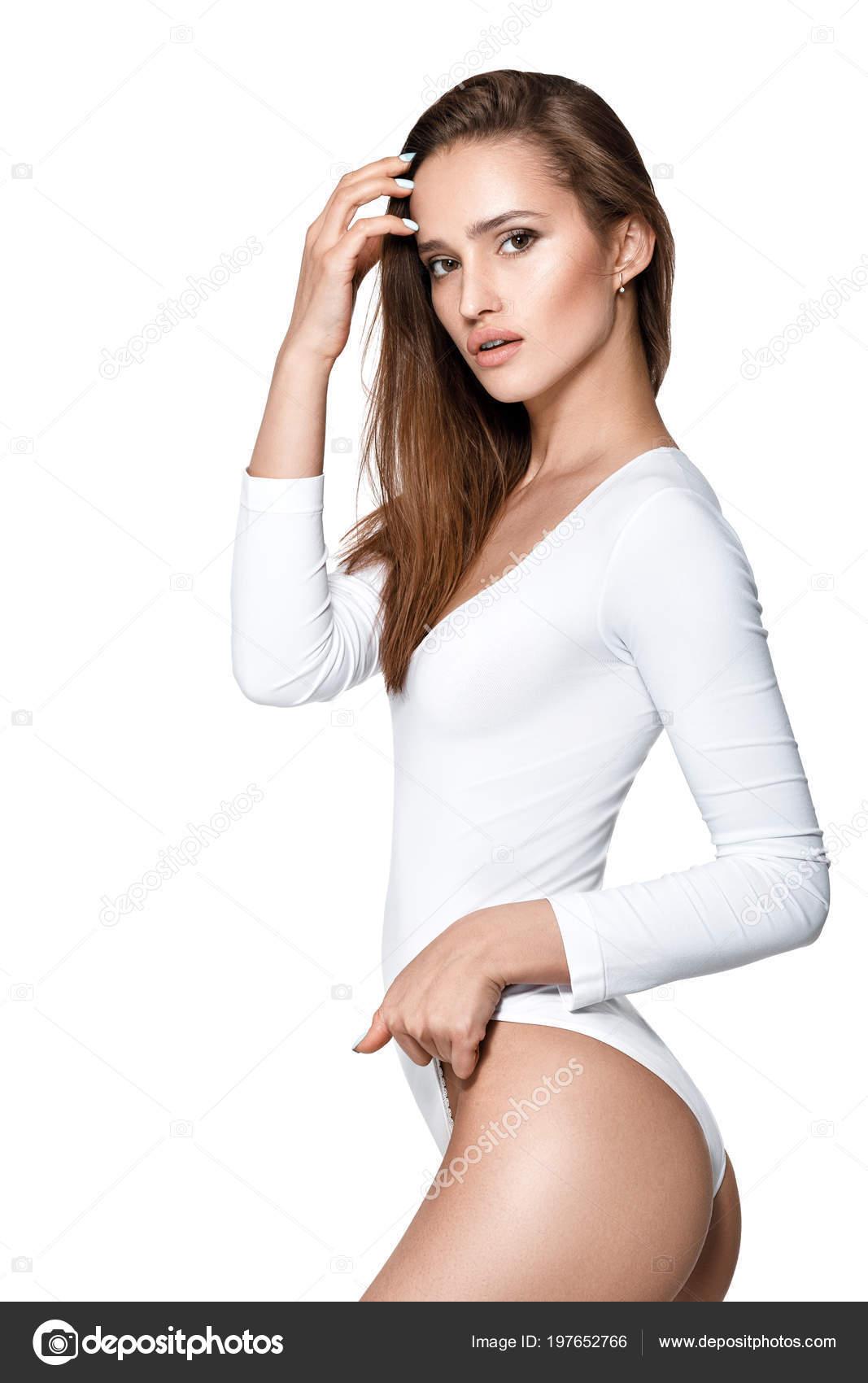 a418b8e2681 όμορφη σέξι γυναίκα με τέλειο σώμα σε λευκό κορμάκι — Φωτογραφία ...