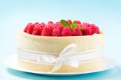 zblízka čerstvého malinového dortu