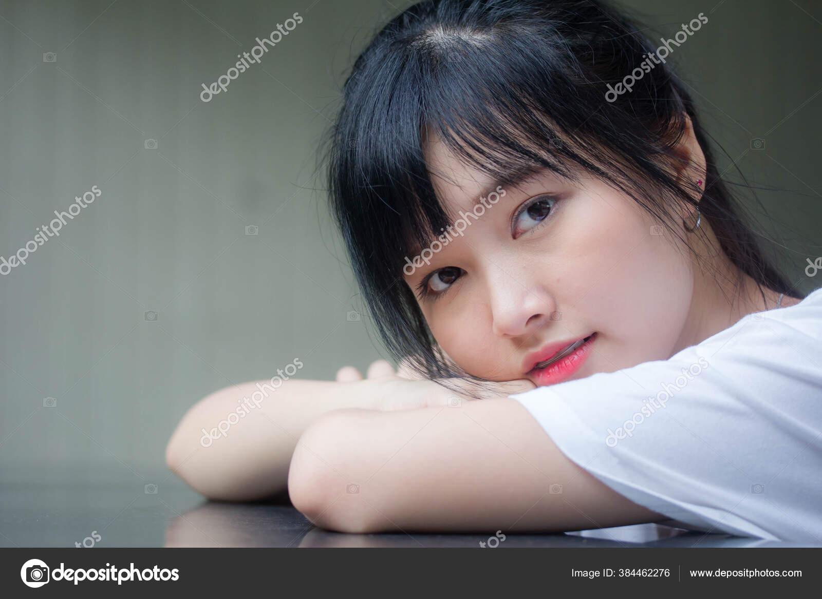 Beautiful Girl Dildo Ride