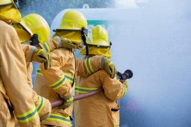 itfaiye yangın saldırı için mücadele