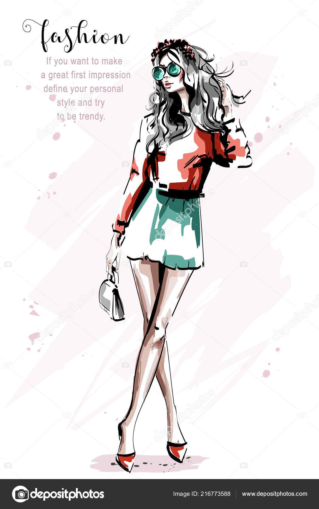 35c9a3ba5 Mão desenhada bonita jovem com saco. Menina de cabelos loiros elegante  elegante em óculos de sol. Retrato de corpo inteiro de mulher da moda.