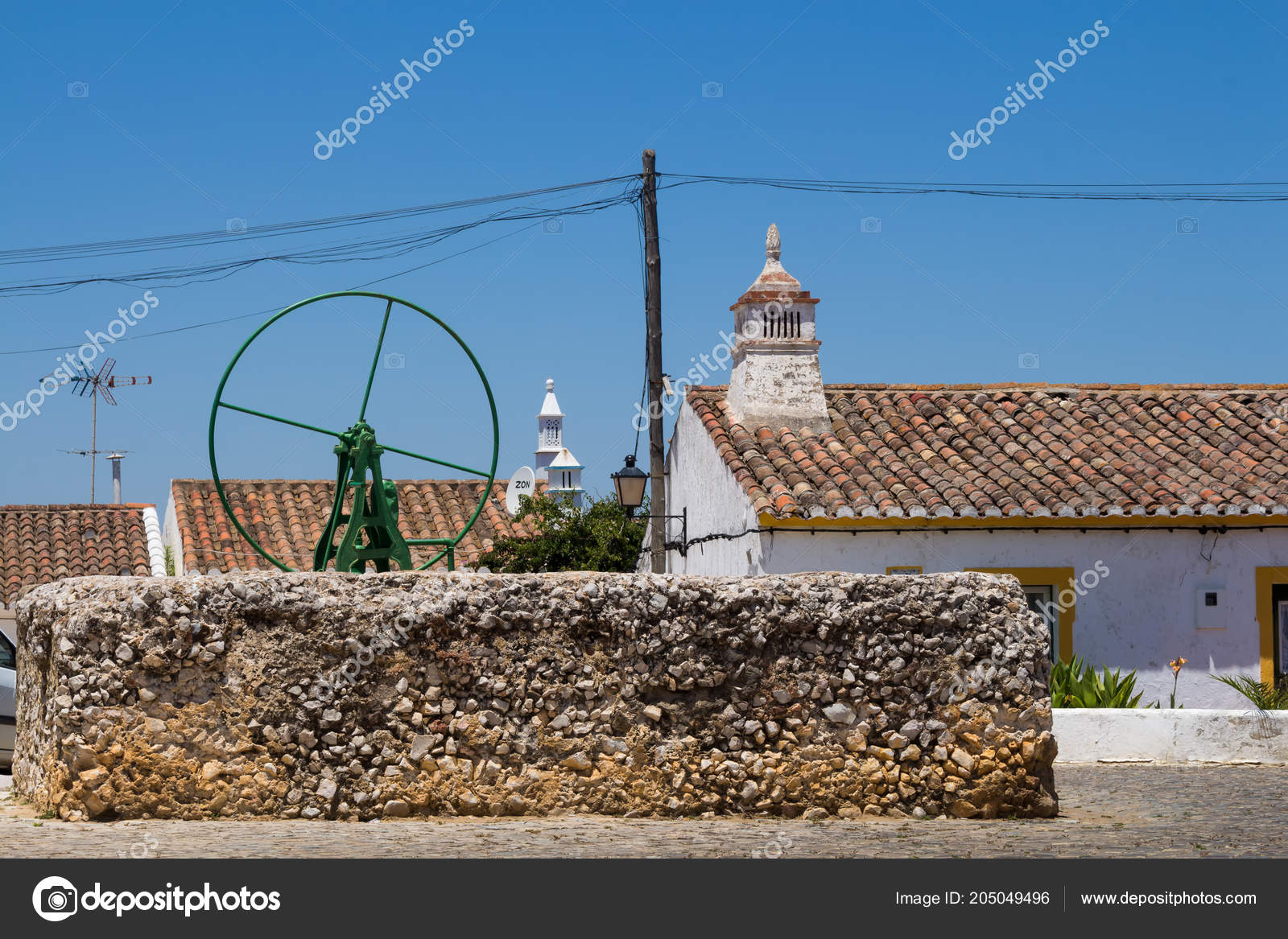 Green Pump Water Well Square Small Portuguese Historical