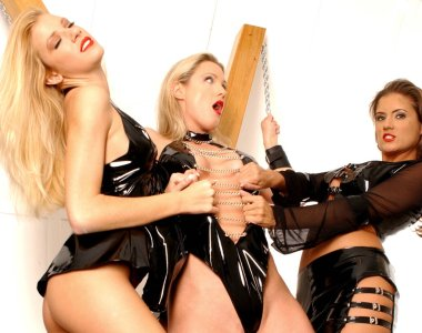 3 Beautiful Ladies Night in X Room playful role play