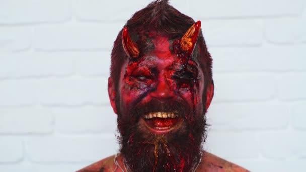 Ritratto del vampiro diavolo. Mostro di halloween diavolo rosso. Krampus. Diavoli di Natale. Halloween.