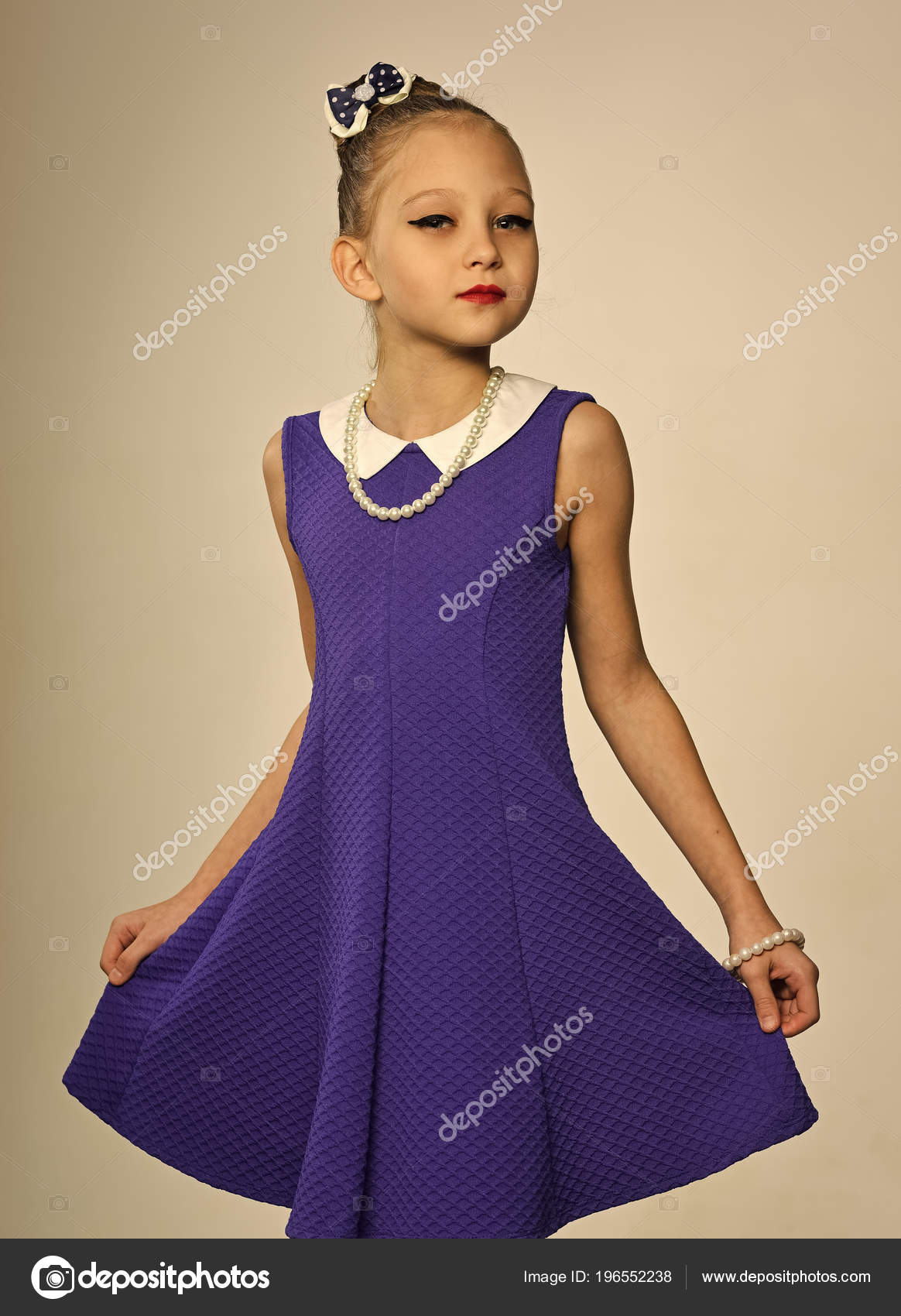 db3a9e52c67f Happy kid having fun. Fashion and beauty in childhood. Retro girl ...