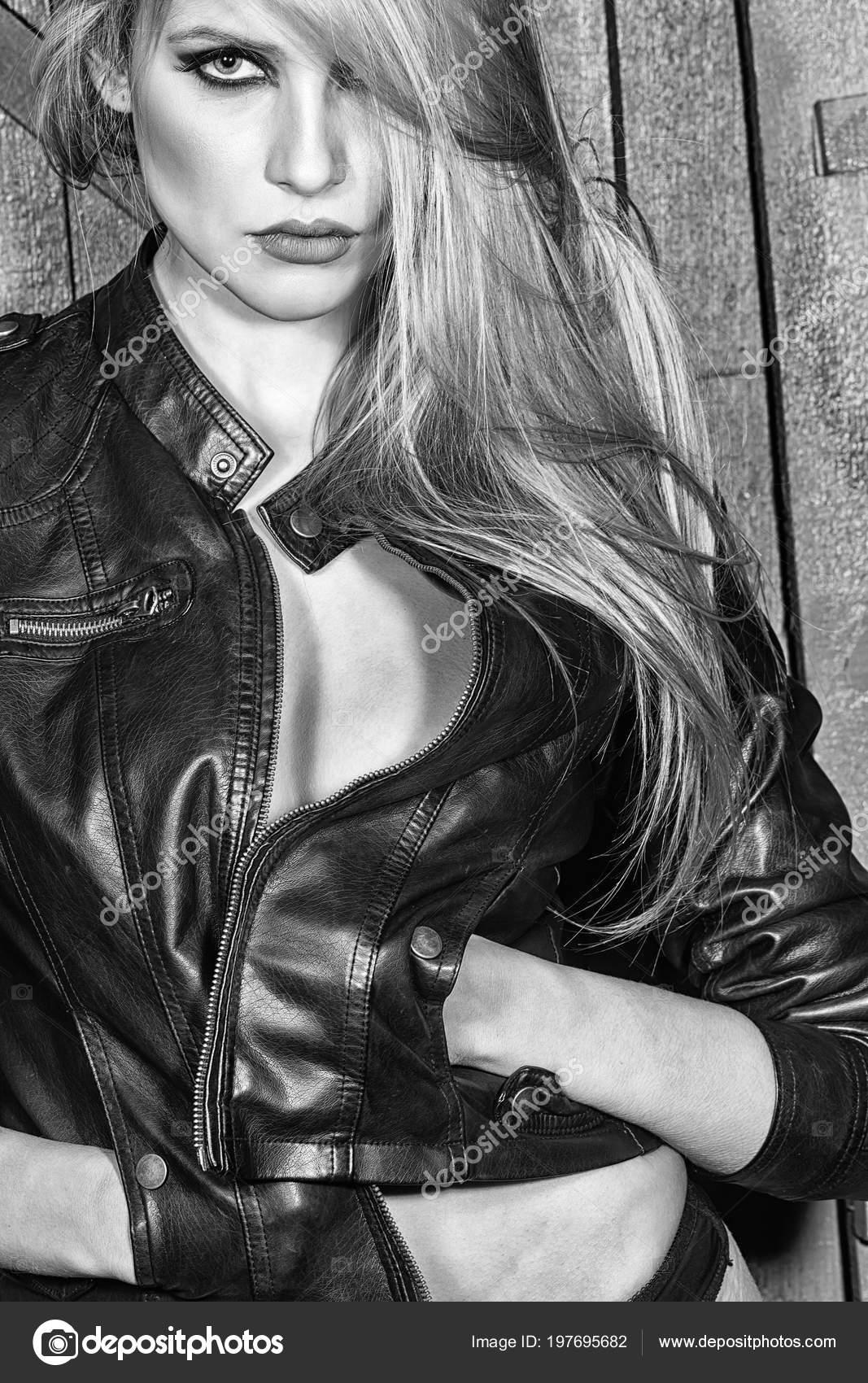 Fashion Model Woman Fece Close Up Face Woman Wiht Happy Emotion Passionate Sensual Woman