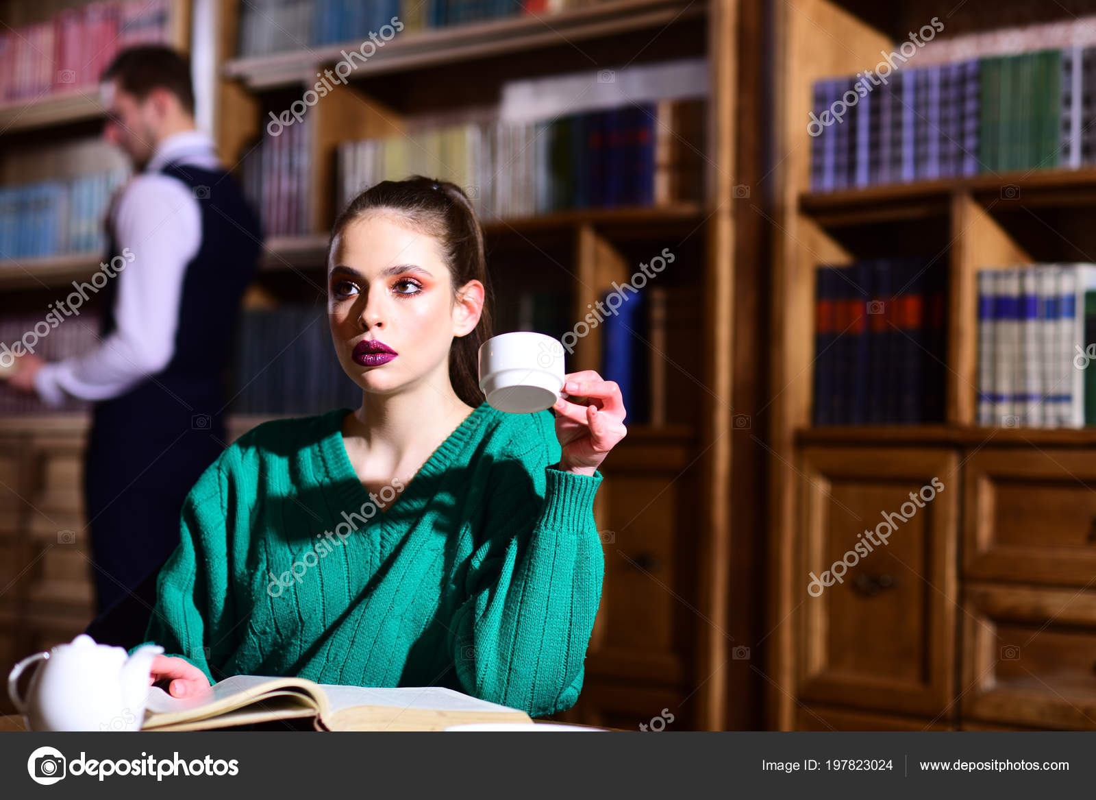 Student Life University Woman Library Read Book Teapot Drinking