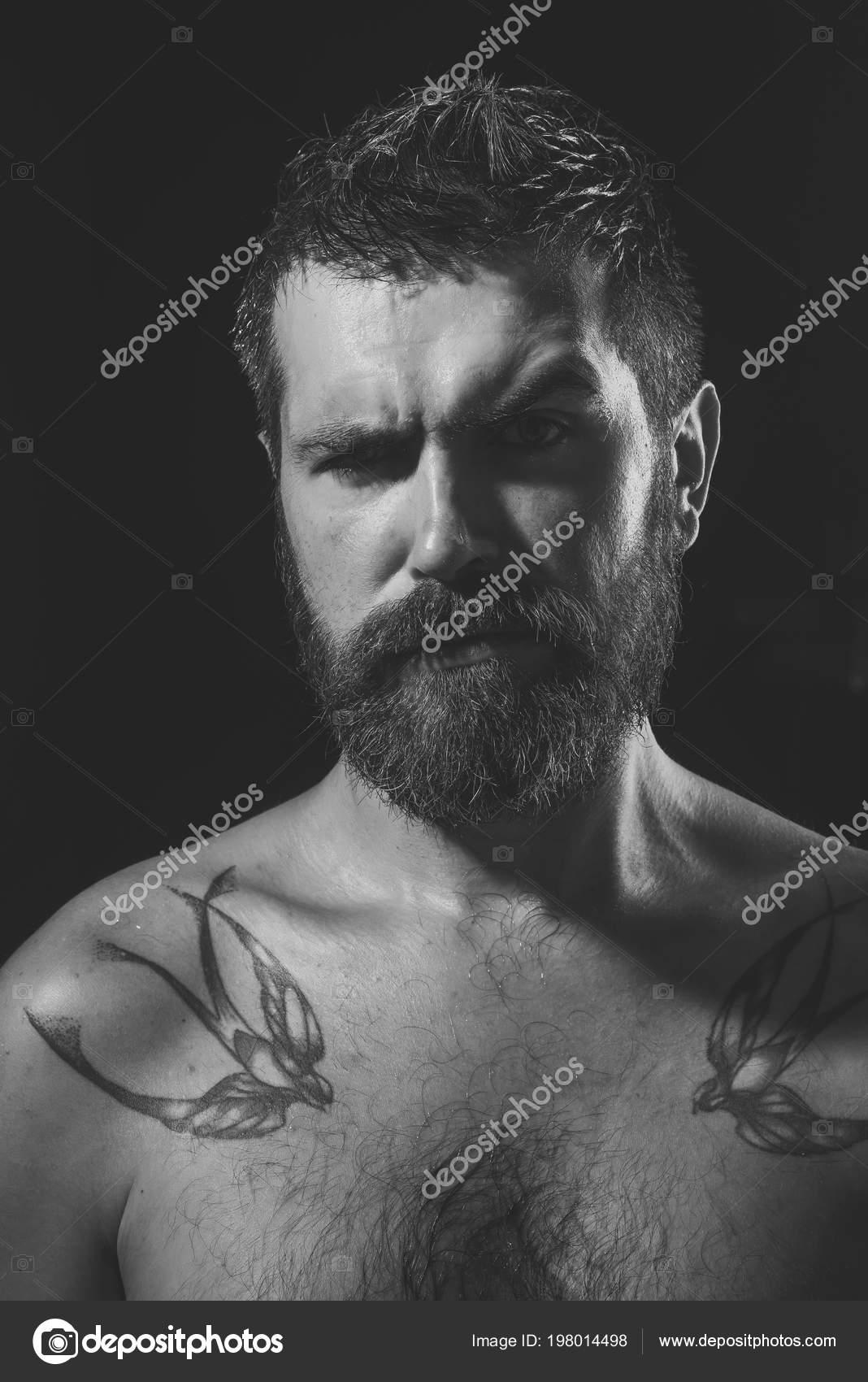 barbes et tatouages datant site rencontre quelqu'un de nouveau après la rupture
