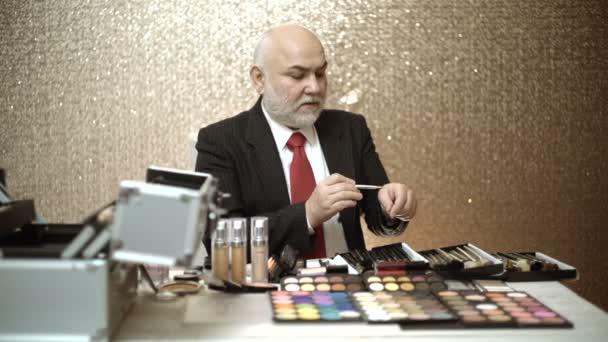 oční stíny sada pro make-up. Tvoří umělec příslušenství
