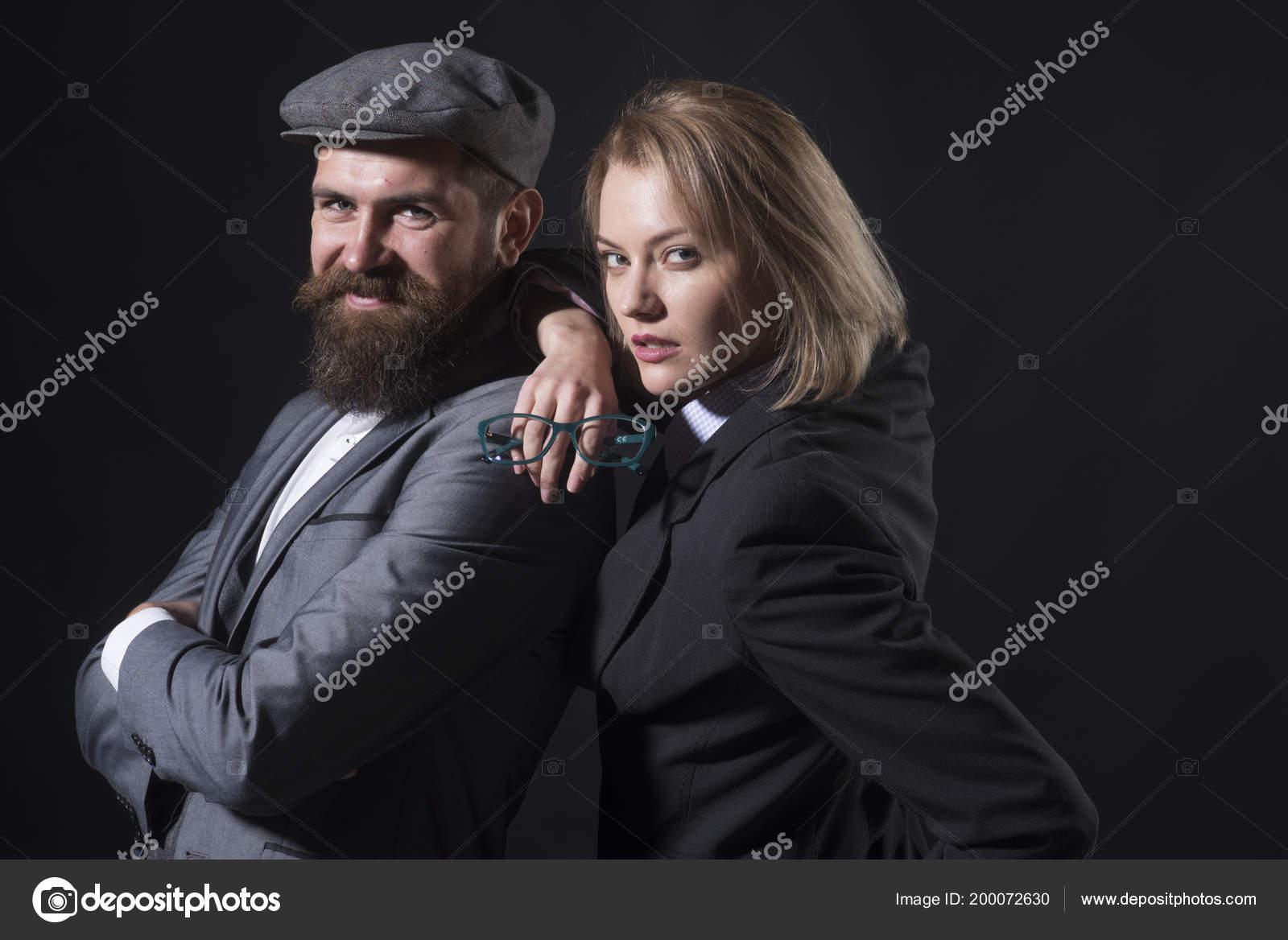 dating investigators