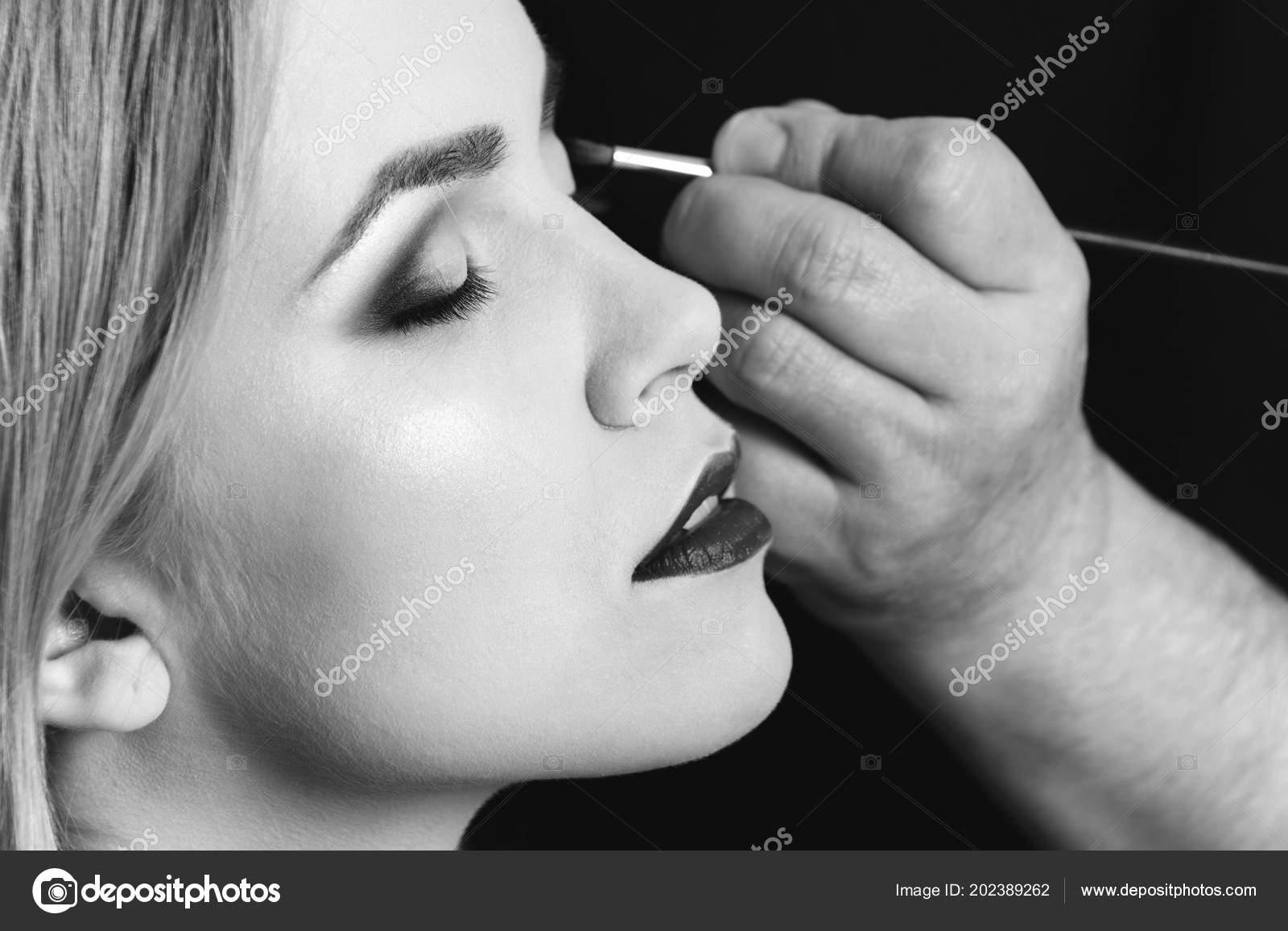 Λευκό μουνί μαύρο κόκορας φωτογραφίες