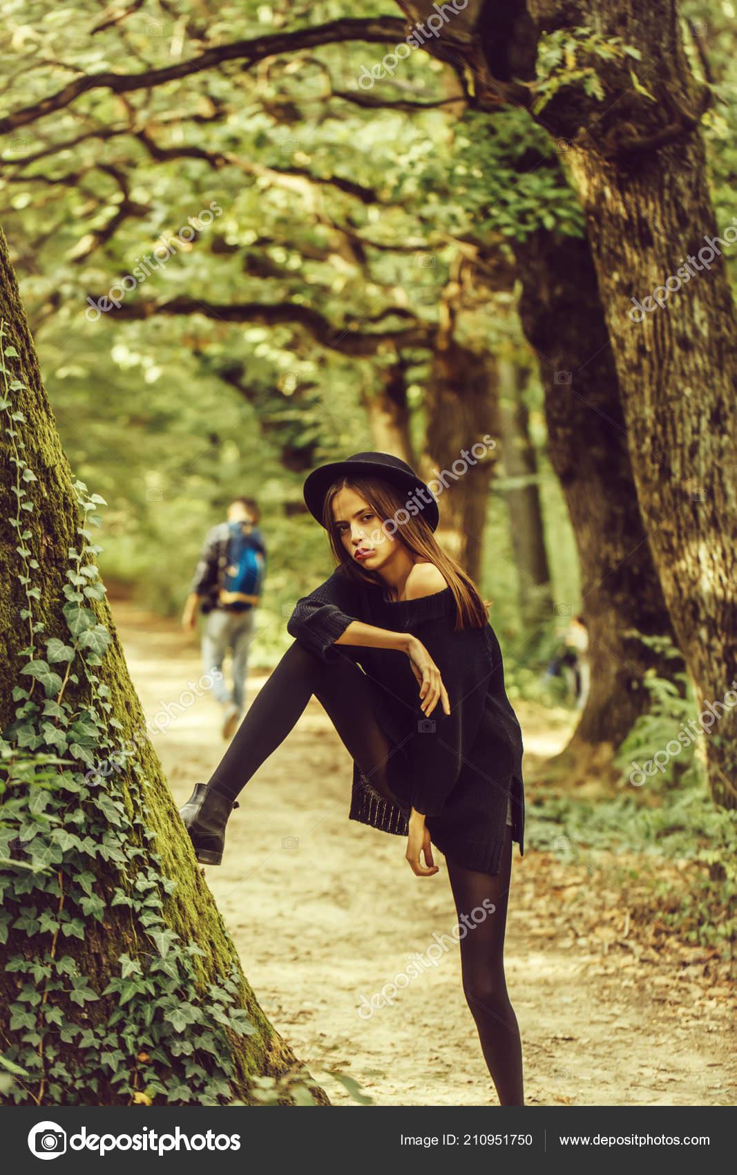 В колготках в лесу фото, красивую русскую тетку отодрали жестко