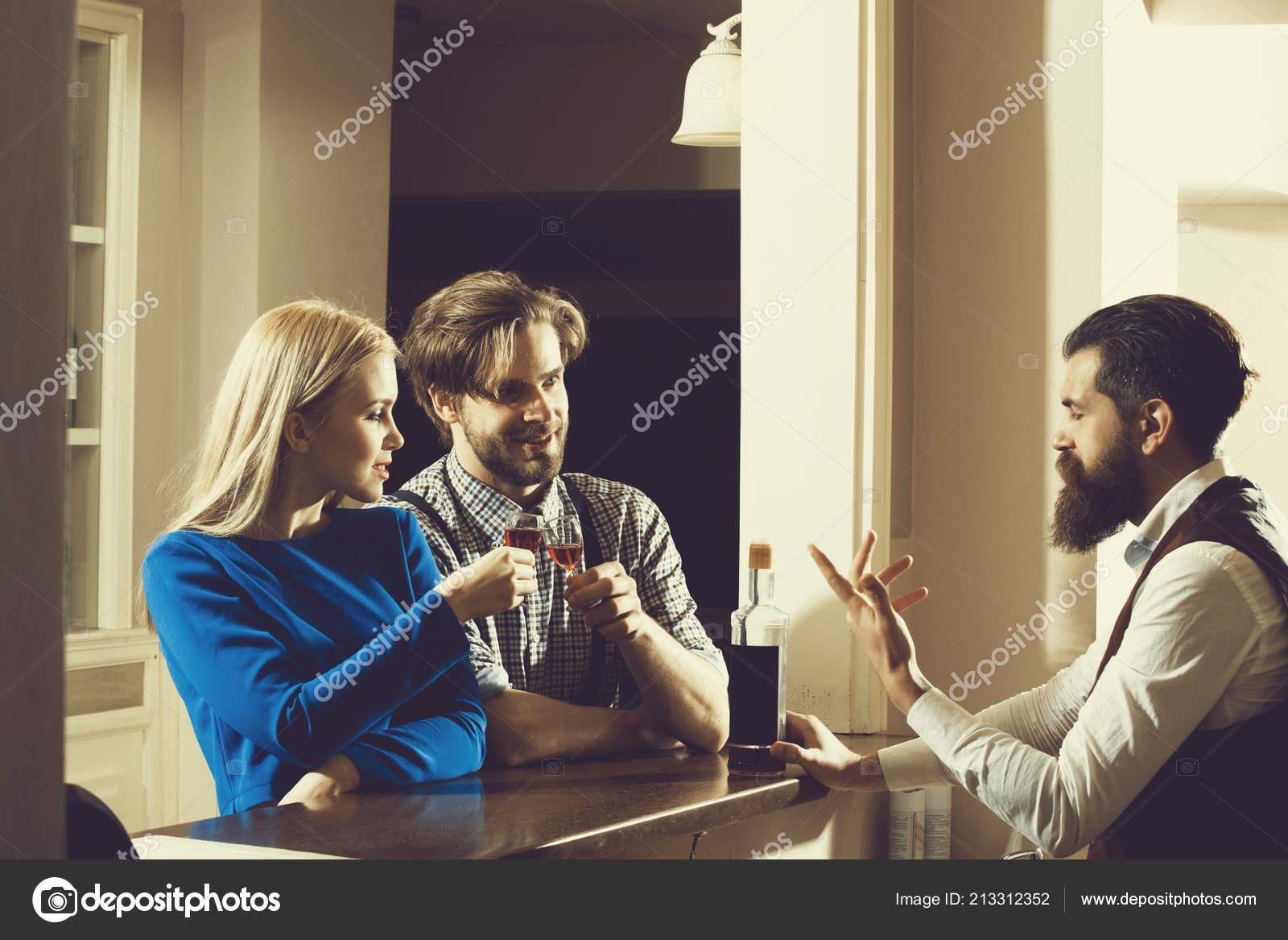 datování alkoholické ženy číslo 1 datování aplikace