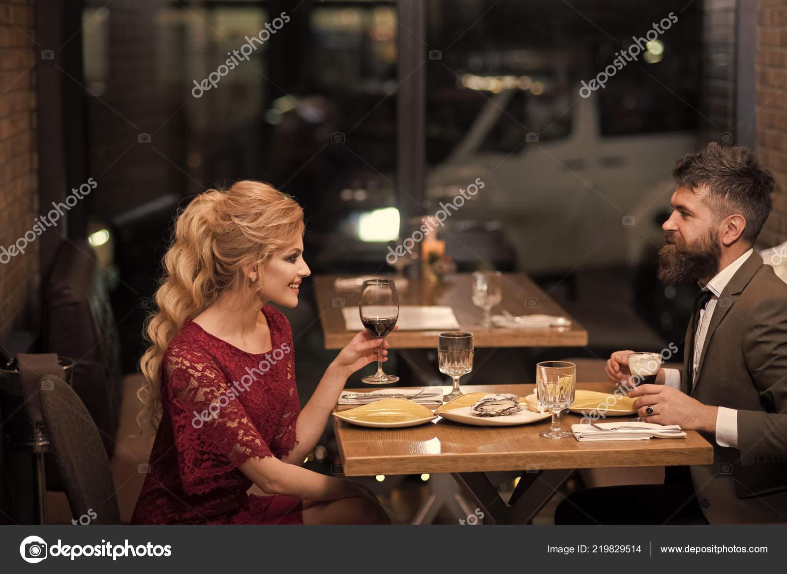 zakelijke vrouw dating matchmaking bedrijf Verenigd Koninkrijk