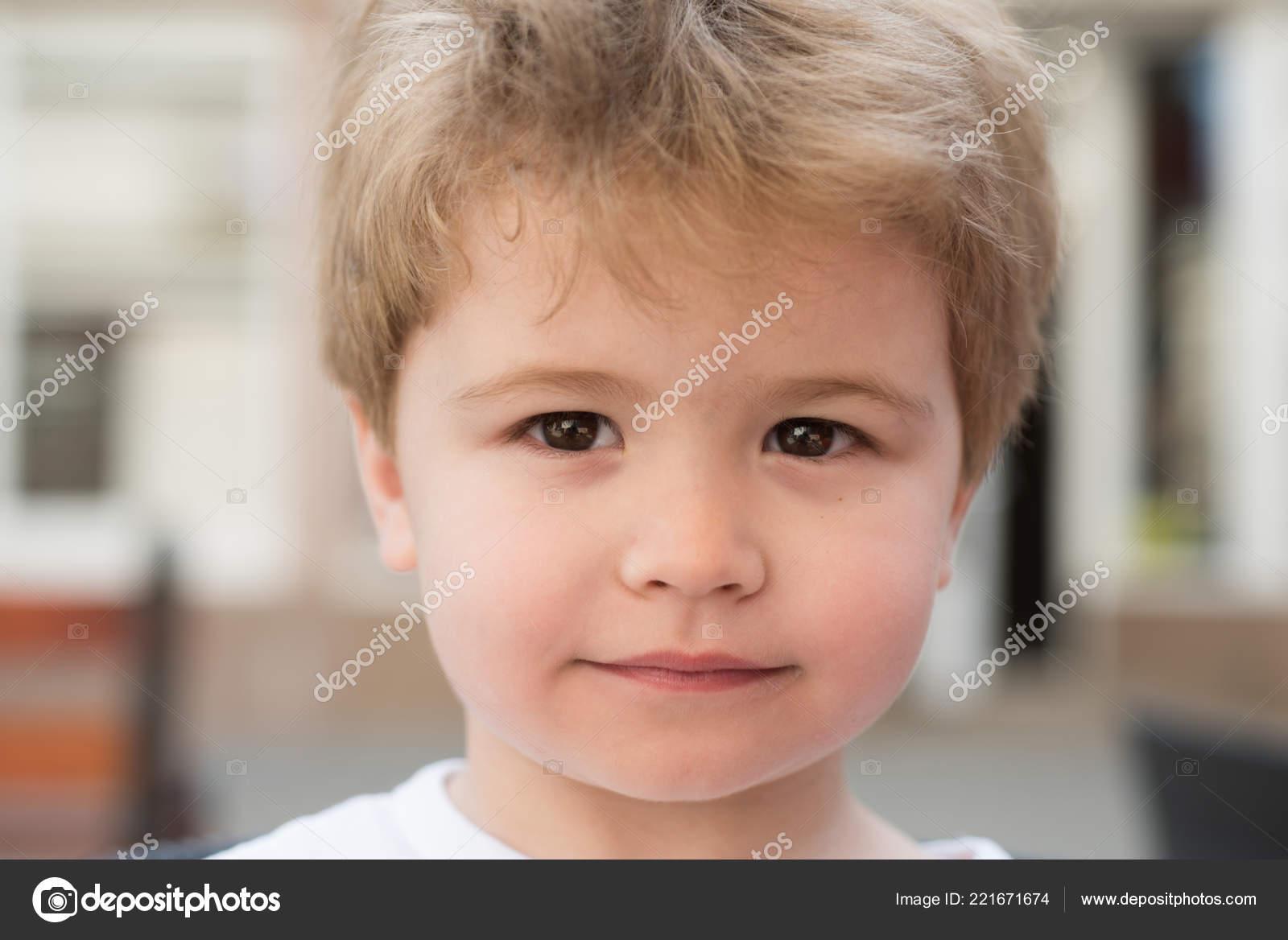 śliczne Fryzury Dla Krótkich Włosów Małe Dziecko Z Stylowe Fryzury