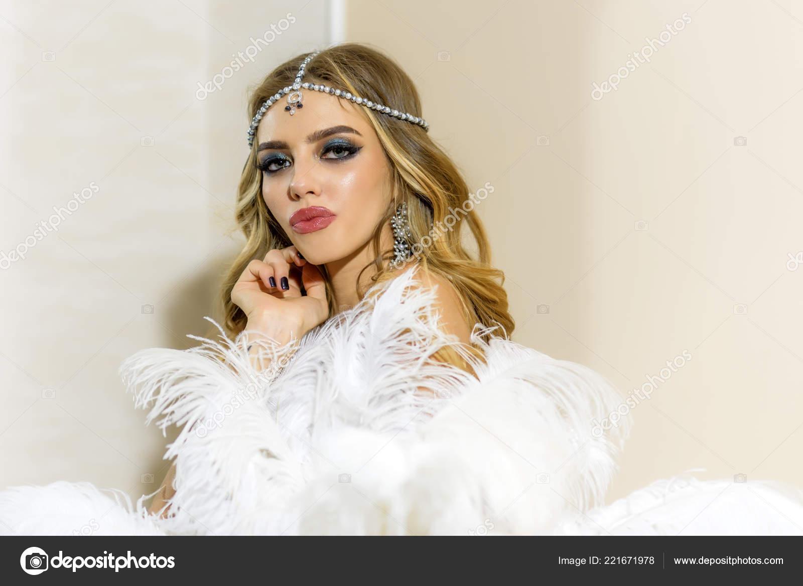 promo code 3620d fe557 Donna sensuale in abbigliamento trendy, concetto di tendenza ...