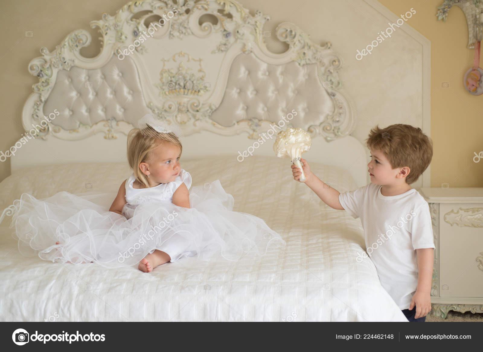 Lacconciatura Da Sposa Classico Piccoli Bambini Pronti Per