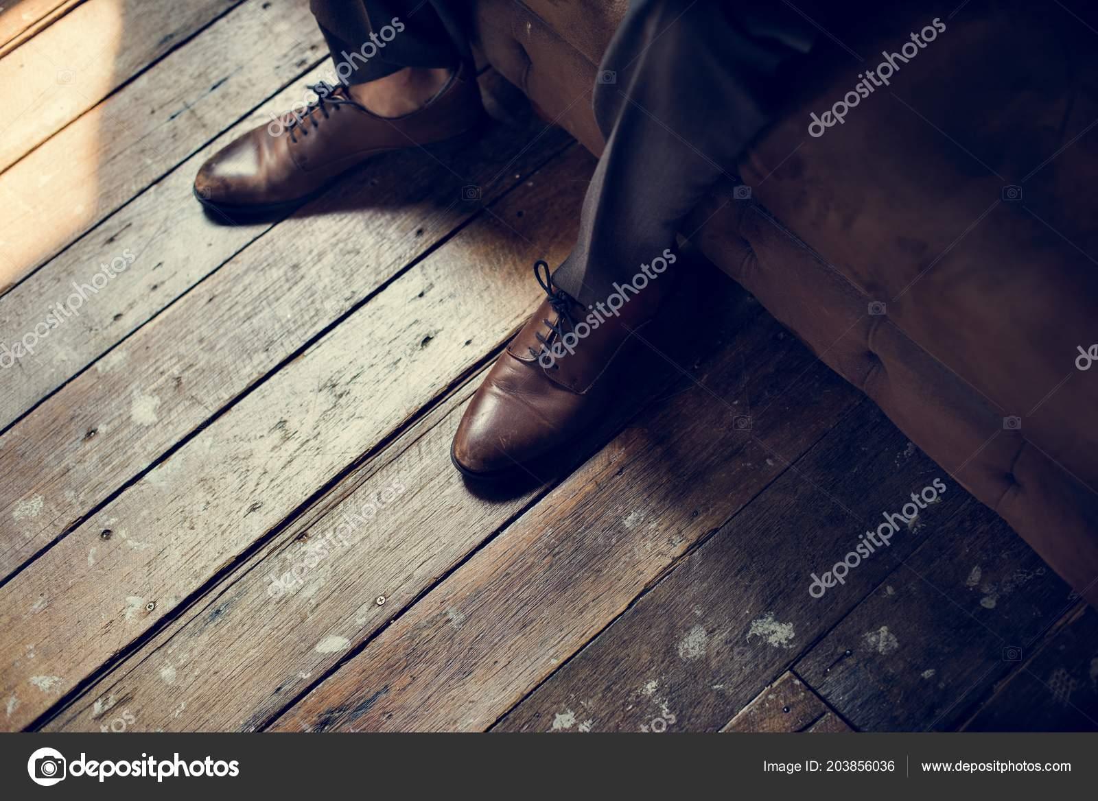 Piso 203856036 Madera Rawpixel Fotos De Cuero © Stock Zapatos — 1fzSSq