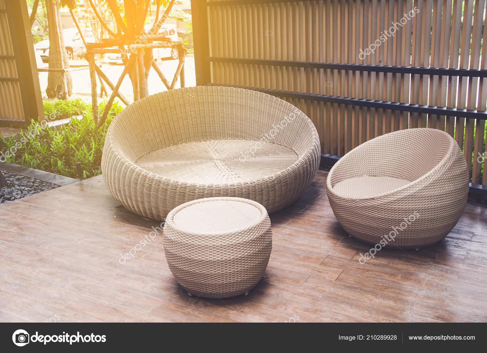 Sillones Mimbre Aire Libre Muebles Mesa Terraza Foto De