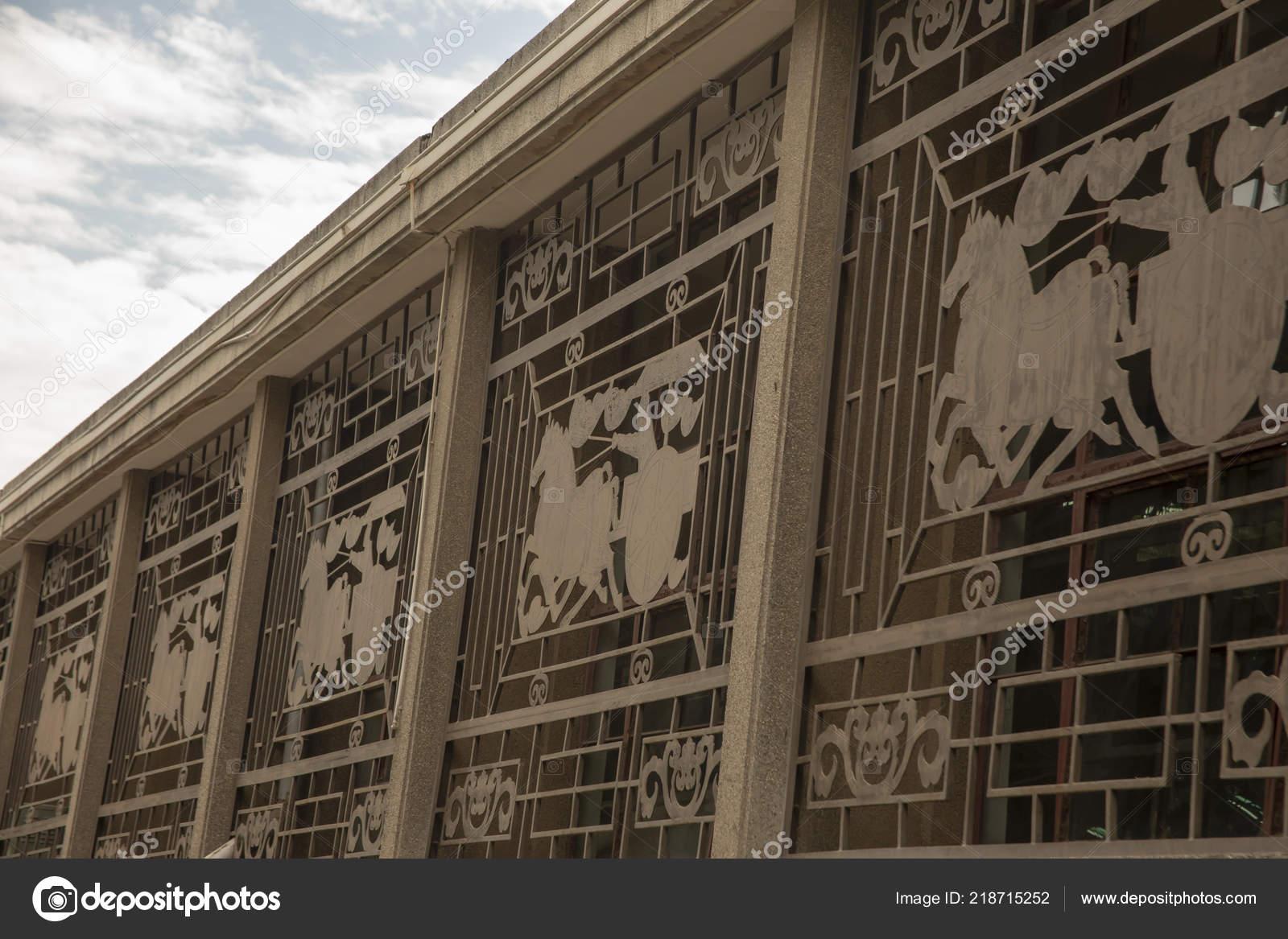 Decorative Metal Grate Windows Terra Cotta Warriors Exhibition