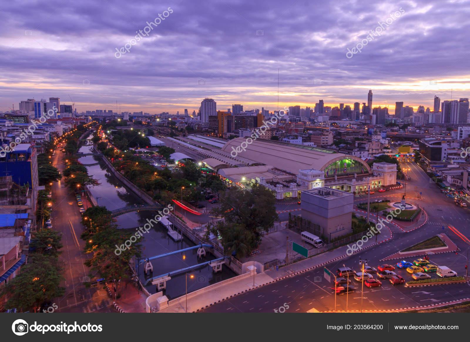 Hohe Aussicht Auf Stadt Mit Verkehr Auto Sonnenaufgang Zeit