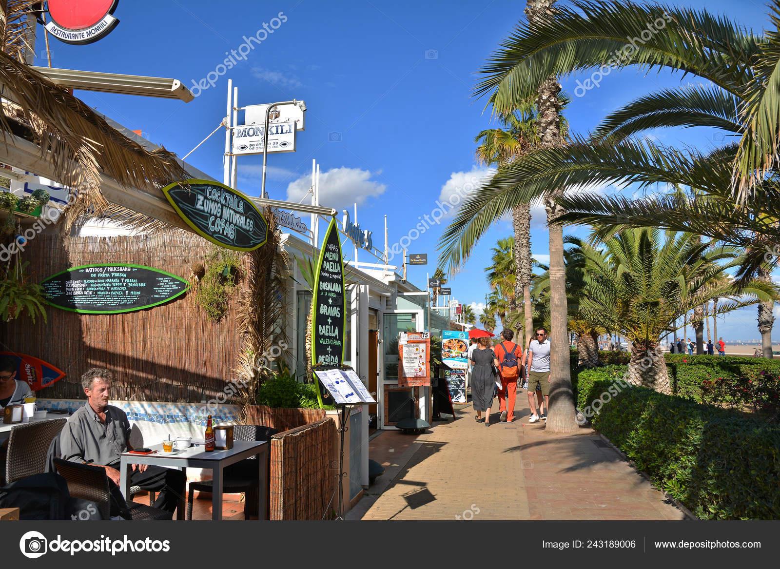Valencia Spain November 2016 Sea Front Promenade Hotels Restaurants