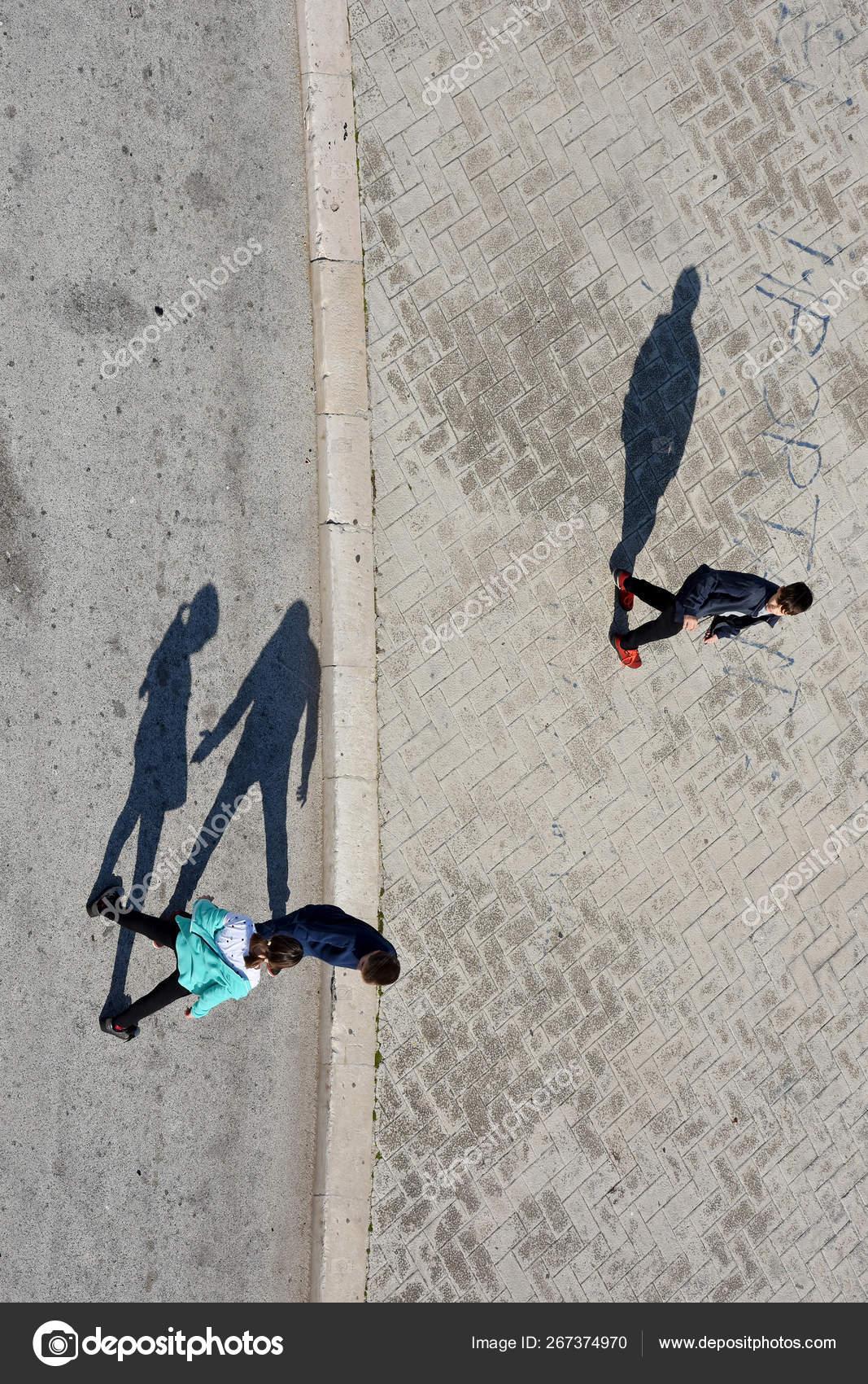 Aves Olho Vista Rua Fotografia Com Luz Sombra Tirada Roda Fotografia De Stock Editorial C Elephotos 267374970