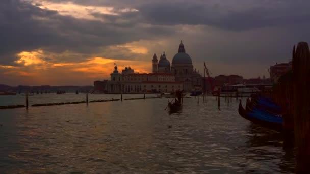 canal Grande a bazilika santa maria della salute