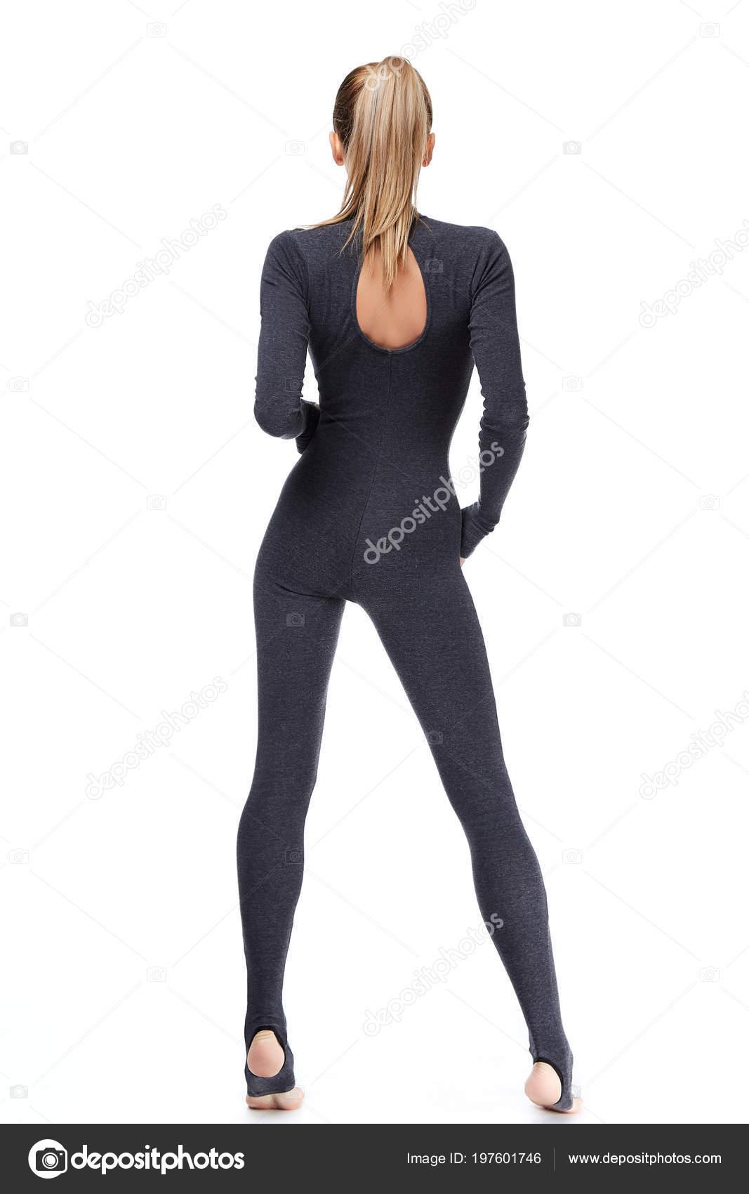 Стройная сексуальная блондинка в спорт