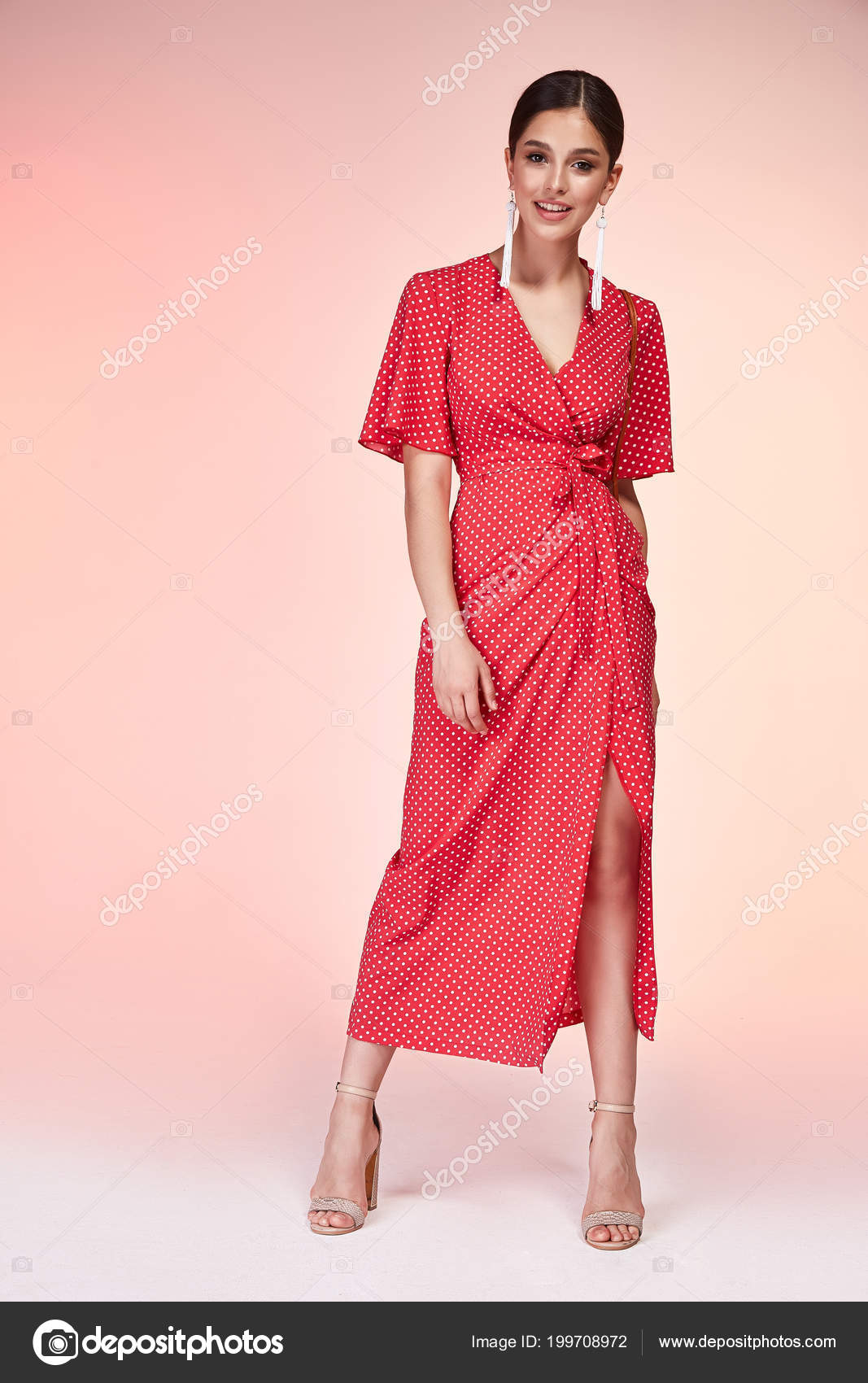 huge selection of 59897 699be Capelli Bruna Bella Giovane Donna Elegante Sexy Con Trucco ...