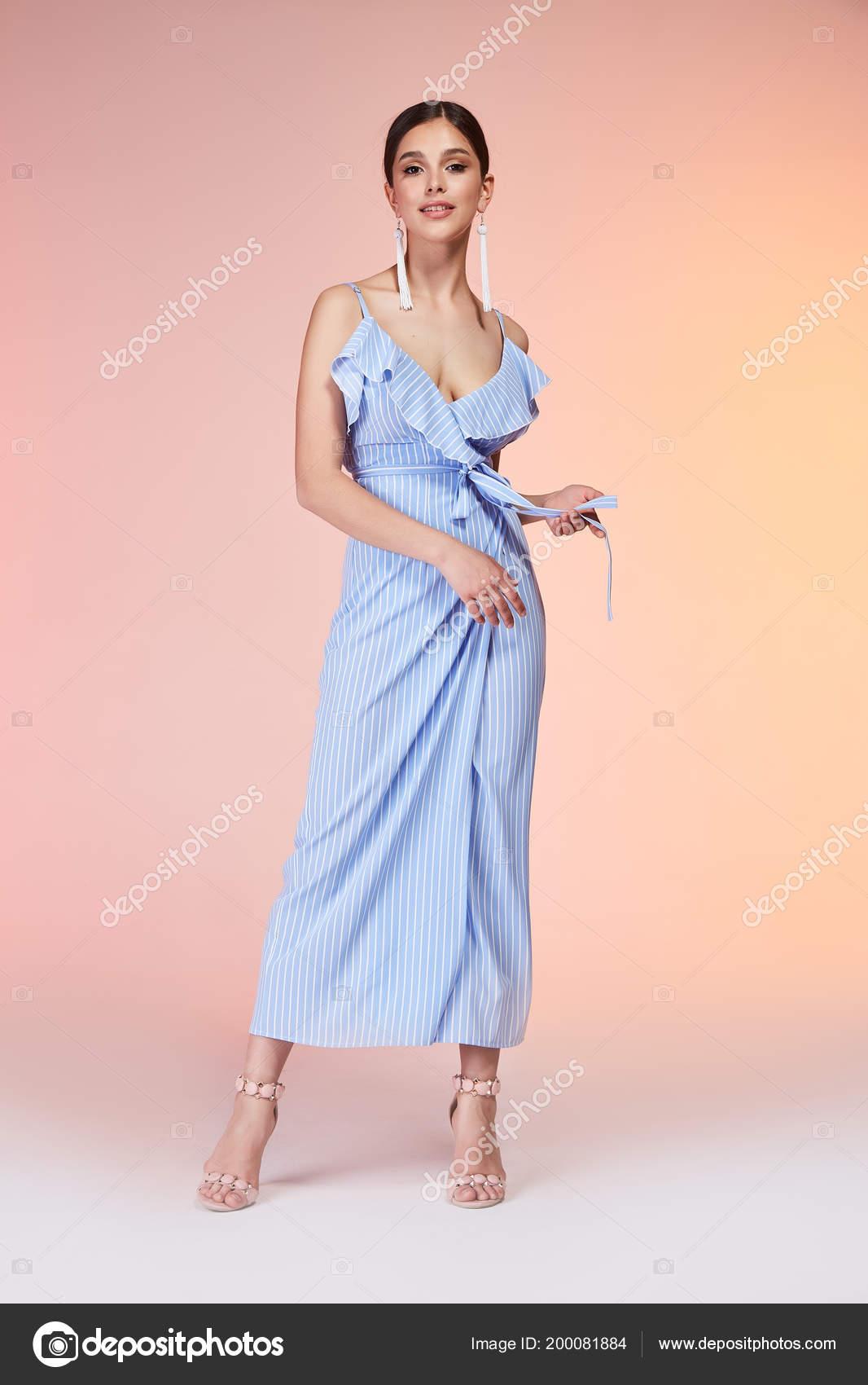 Donna Elegante Sexy Bellezze Naturali Moda Stile Vestiti