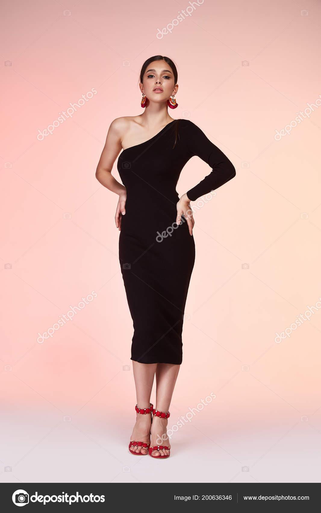 Moda Estilo Mujer Cuerpo Perfecto Forma Morena Cabello Usar Skinny ...
