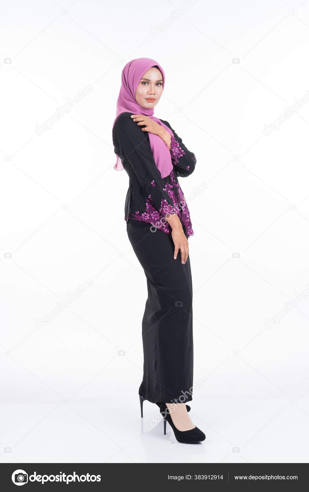 Beautiful Female Model Kebaya Hijab Modern Lifestyle Apparel Muslim Women Stock Photo C Lordmint 383912914