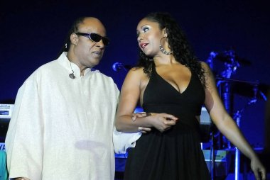 Rio de Janeiro, December 25, 2012.Cantor and pianist Stevie Wonder with her daughter Aisha Morris, during her show on Christmas Day, on Copacabana Beach, in the city of Rio de Janeiro, Brazil