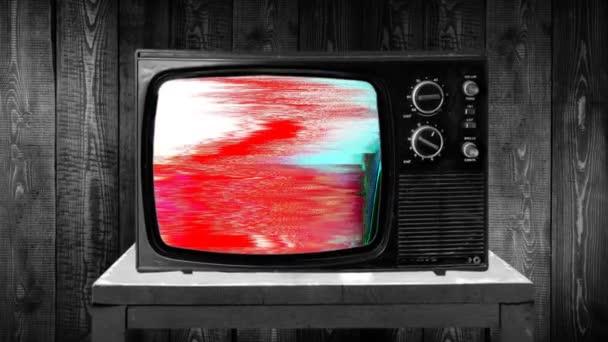 Nagyítás, majd fix lövés egy archaikus TV-készülék, sikertelen vétel, hiba rgb cmyk