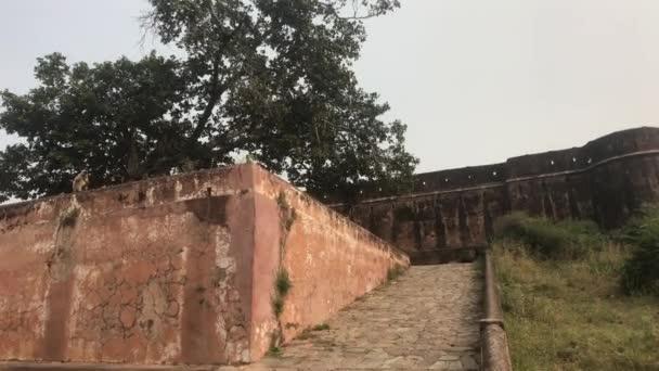 Jaipur, Indie - pohled na dobře zachovalé zdi a budovy staré pevnosti část 12