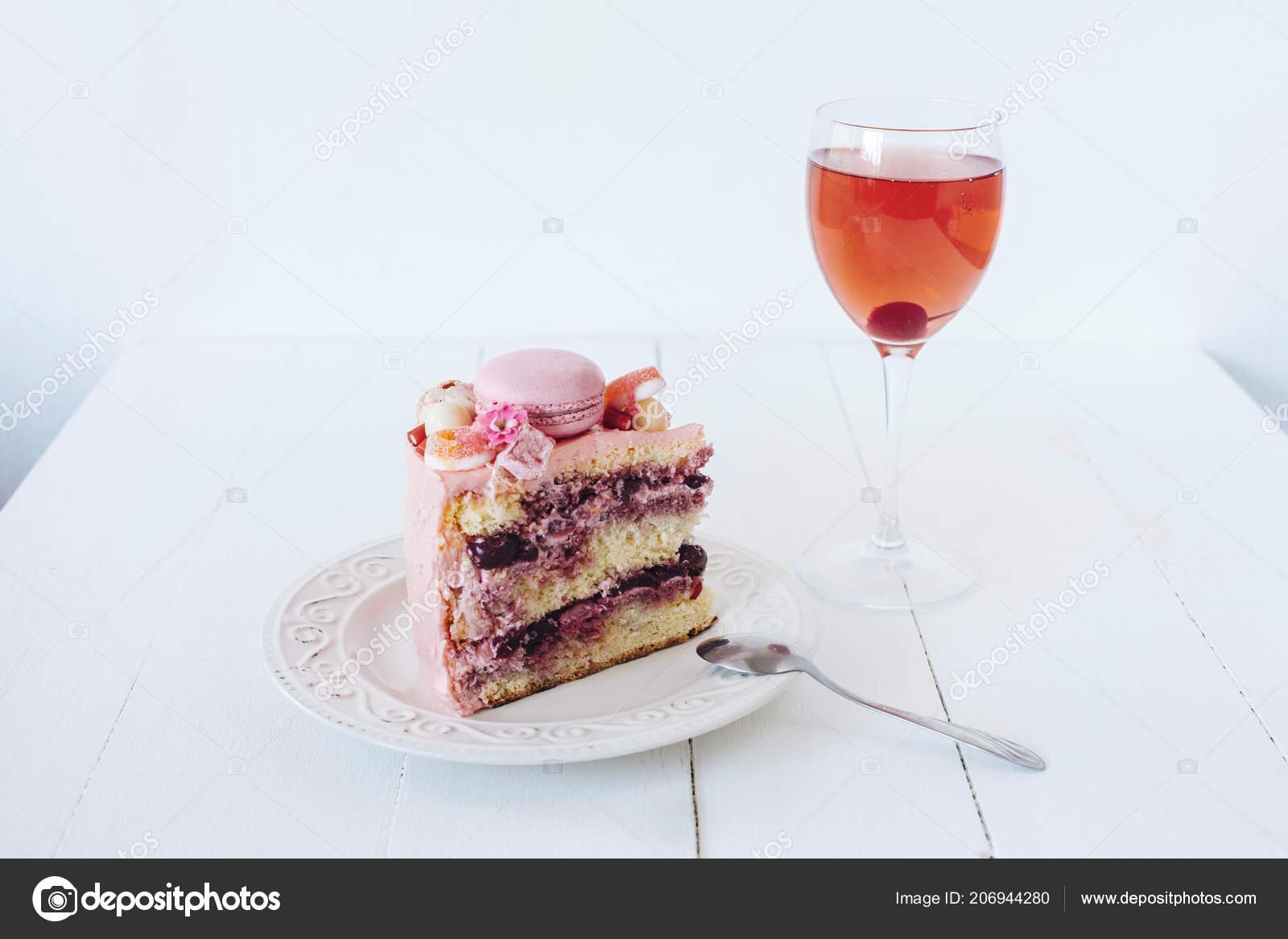 Stuck Rosa Kuchen Dekoration Aus Weisser Schokolade Marshmallows