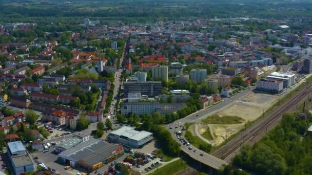 Luftaufnahme der Stadt Rosenheim in Bayern an einem sonnigen Frühlingstag während der Coronavirus-Sperrung.