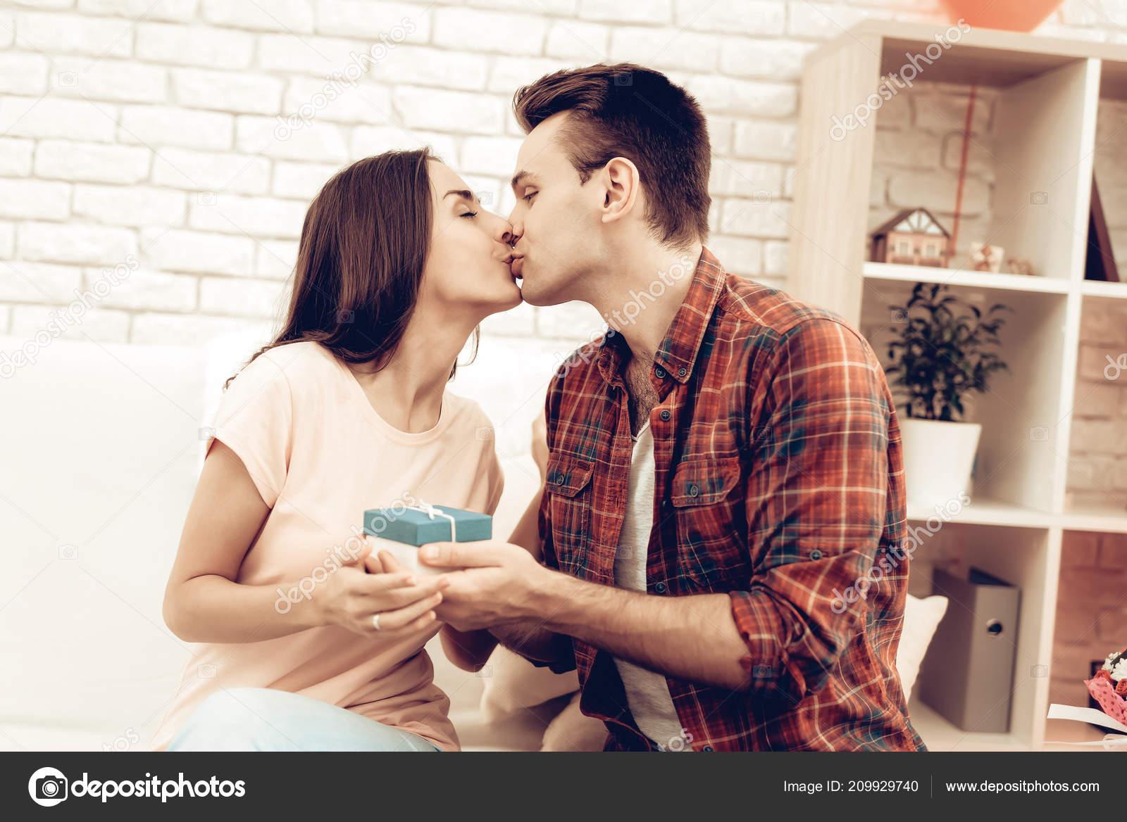 Dating τύπος από την εργασία Σαν Ντιέγκο κόμικ απάτη ταχύτητα dating
