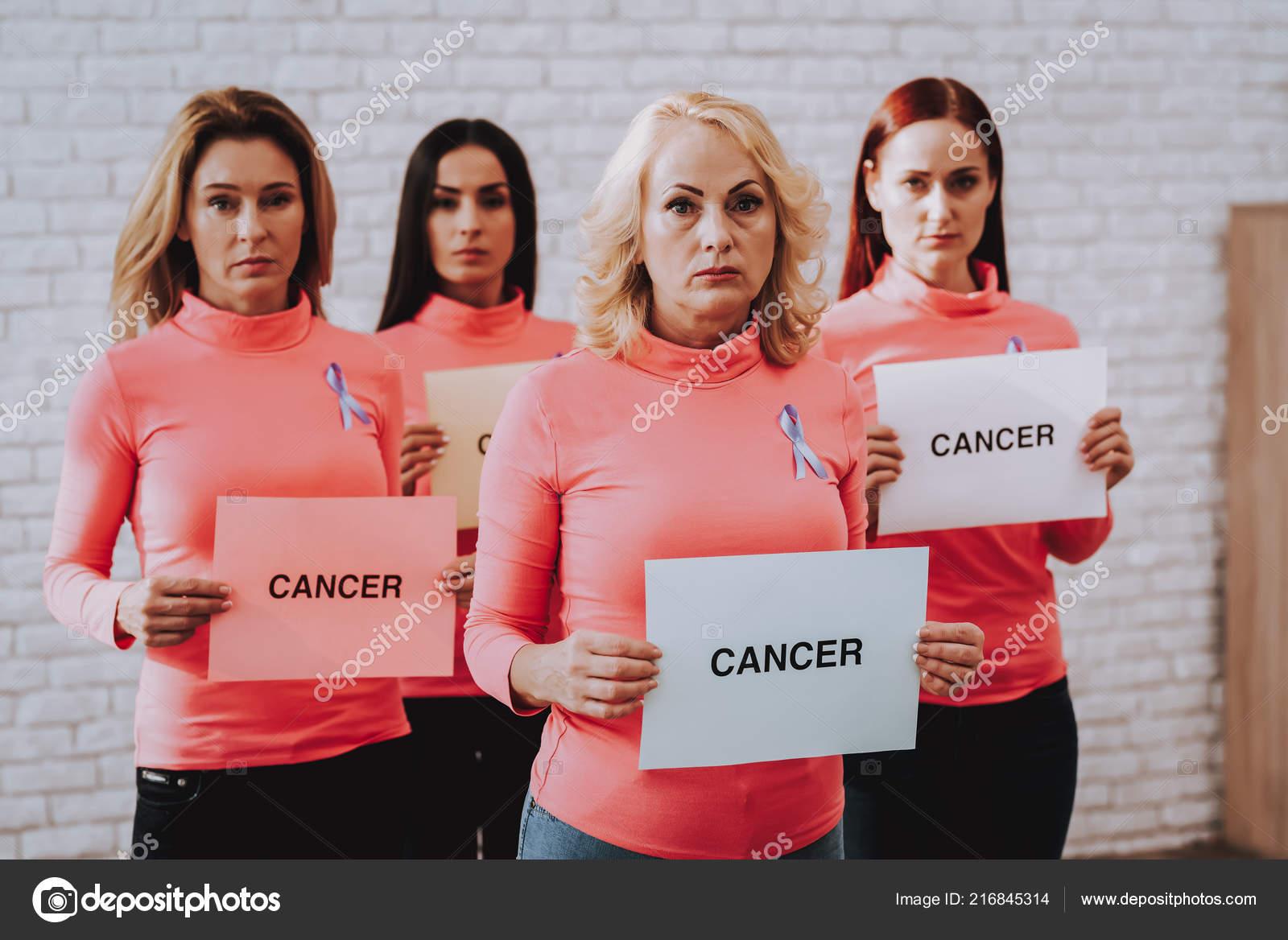 Горит возбуждения блондинка на раком фото крупным