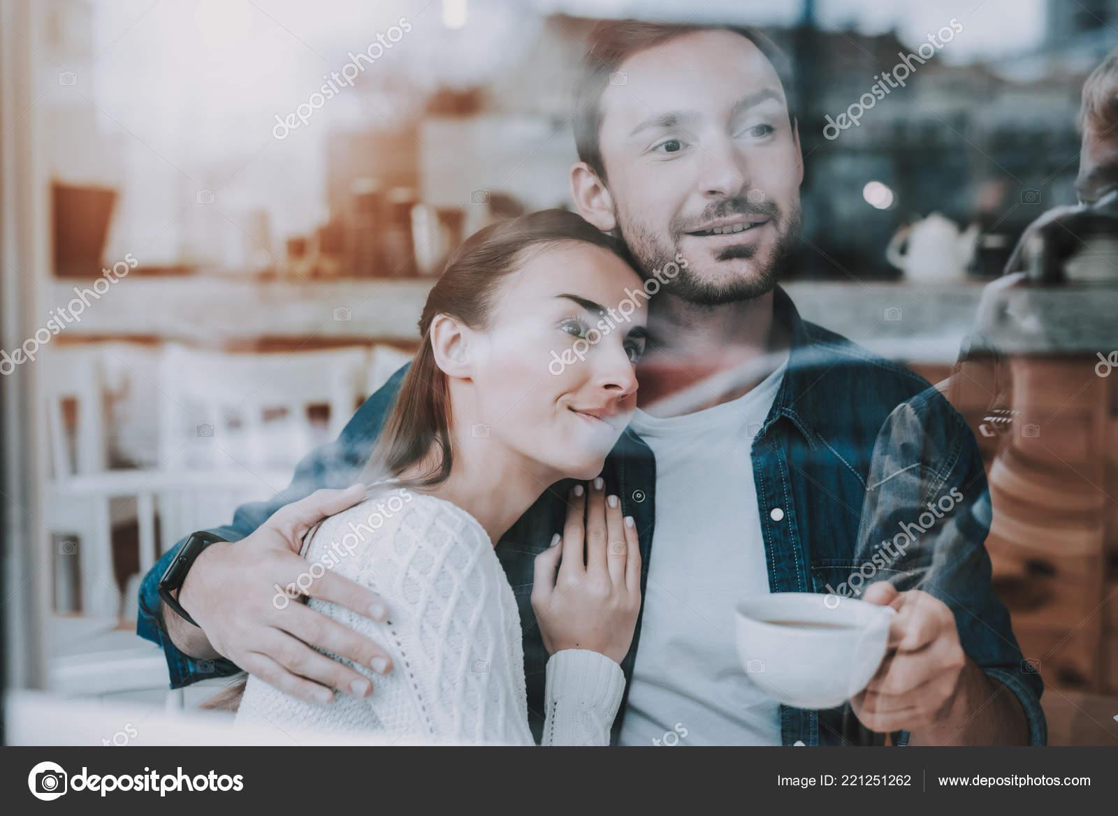 lycklig tjej dating en enkel kille