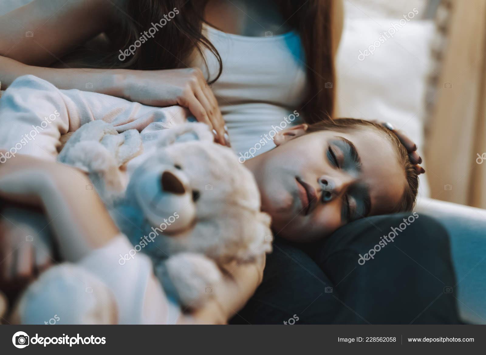 Смотреть сын любовник мама, Сын и мама стали Любовниками - порно видео онлайн 24 фотография