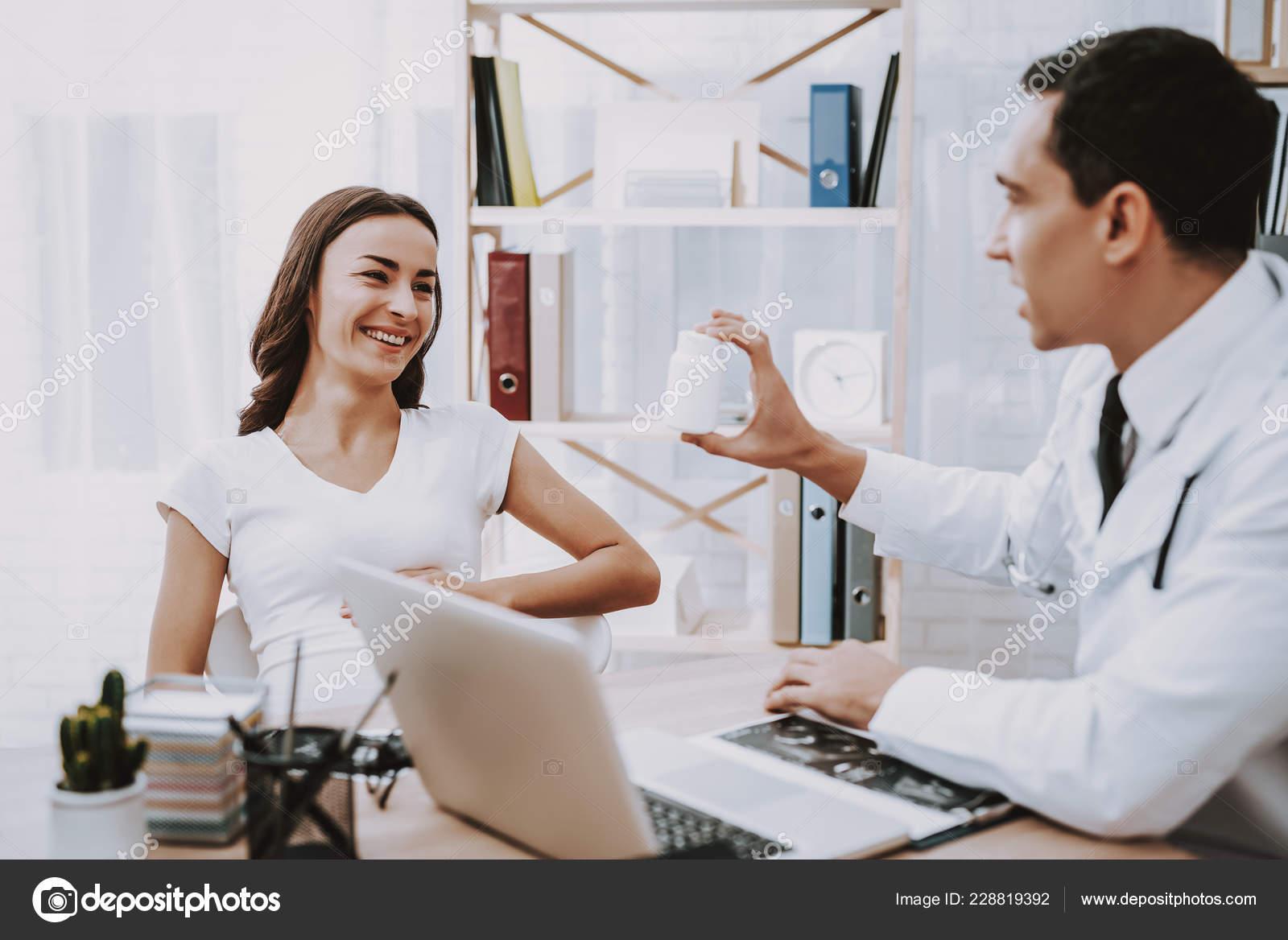 Frauenarzt mädchen